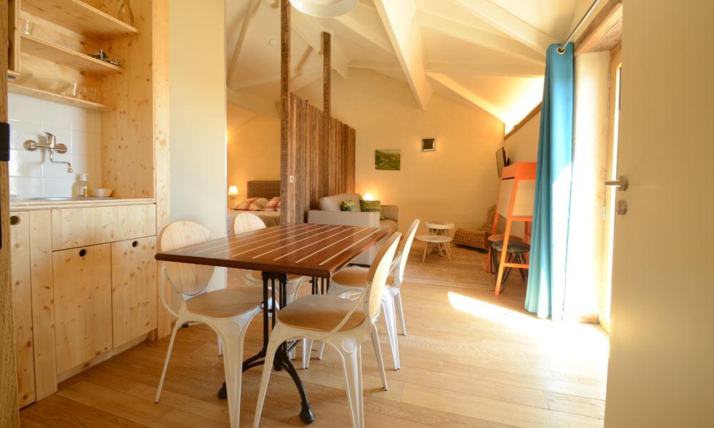 cuisine chambre appart la Normandelière