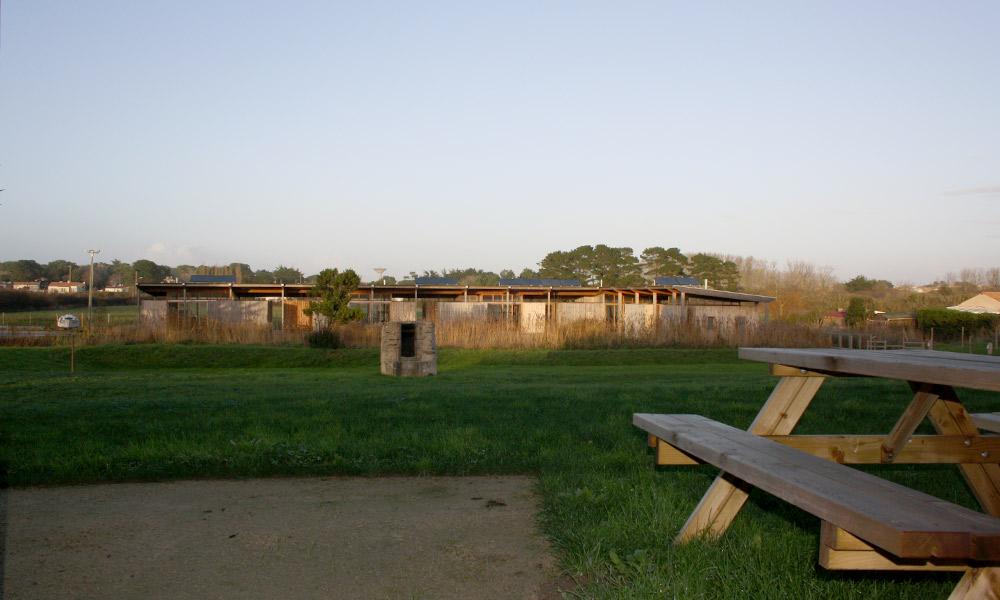 Terrasse avec vue sur les villas ponton